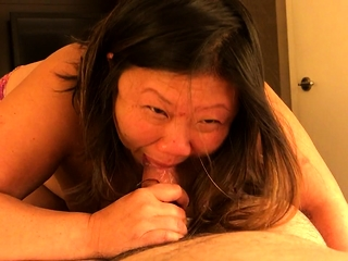 Grown-up BBW gives a great blowjob