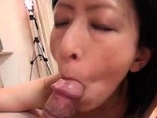 Amateur Asian MILF Hardcore Sex at014