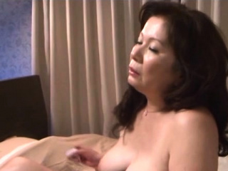 Aged slut has a coarse bonk