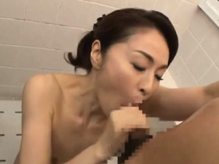 Asian Shower Leads Just about A handful of Roasting Soiled Blowjob