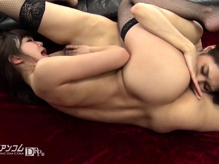 Lesbian anal babe toying stretched botheration and fingering pussy
