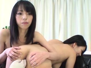 Astounding eastern Saya Fujimoto enjoys a wet set-to